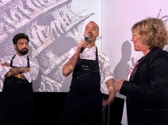 Chefkoch Quim Casellas mit Mikrofon beim TastEmotion 2018 in München