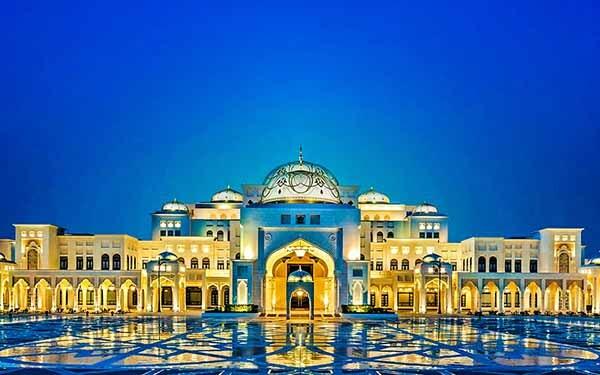 Qaser Al Watan, Night قصر الوطن - Luxuria Tours & Events