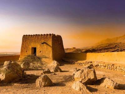 Al Dhayah Fort - RAK - Luxuria Tours