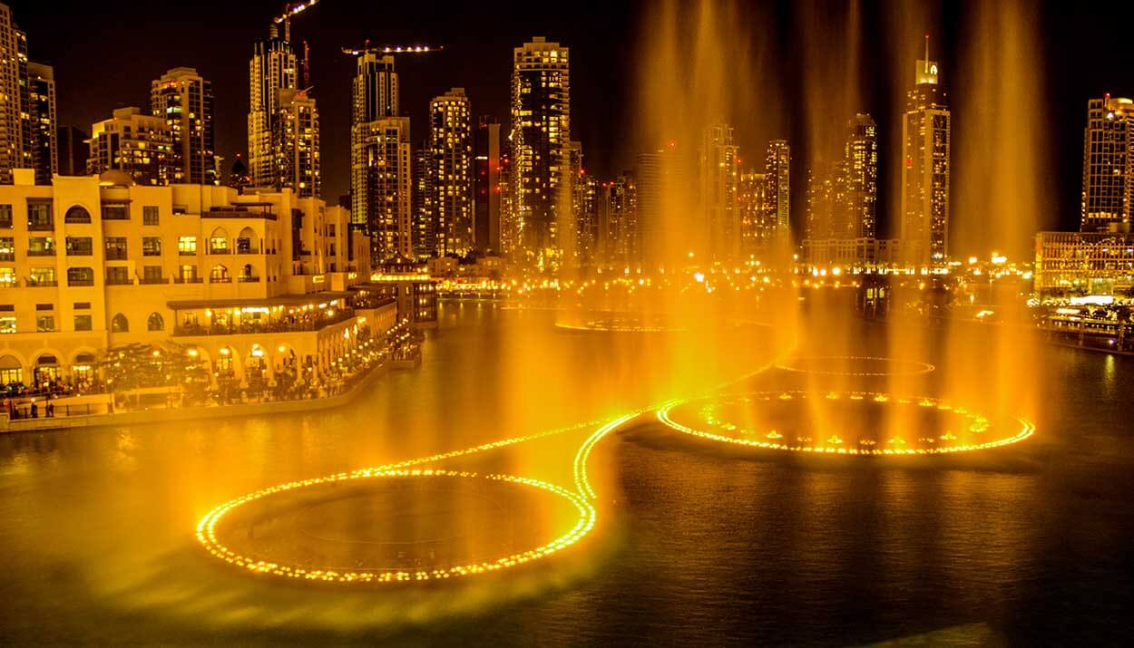 Dubai Dancing Fountain - Luxuria Tours & Events
