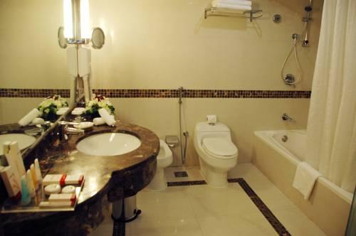 Avenue Hotel Dubai -Bathroom - Luxuria Tours & Events