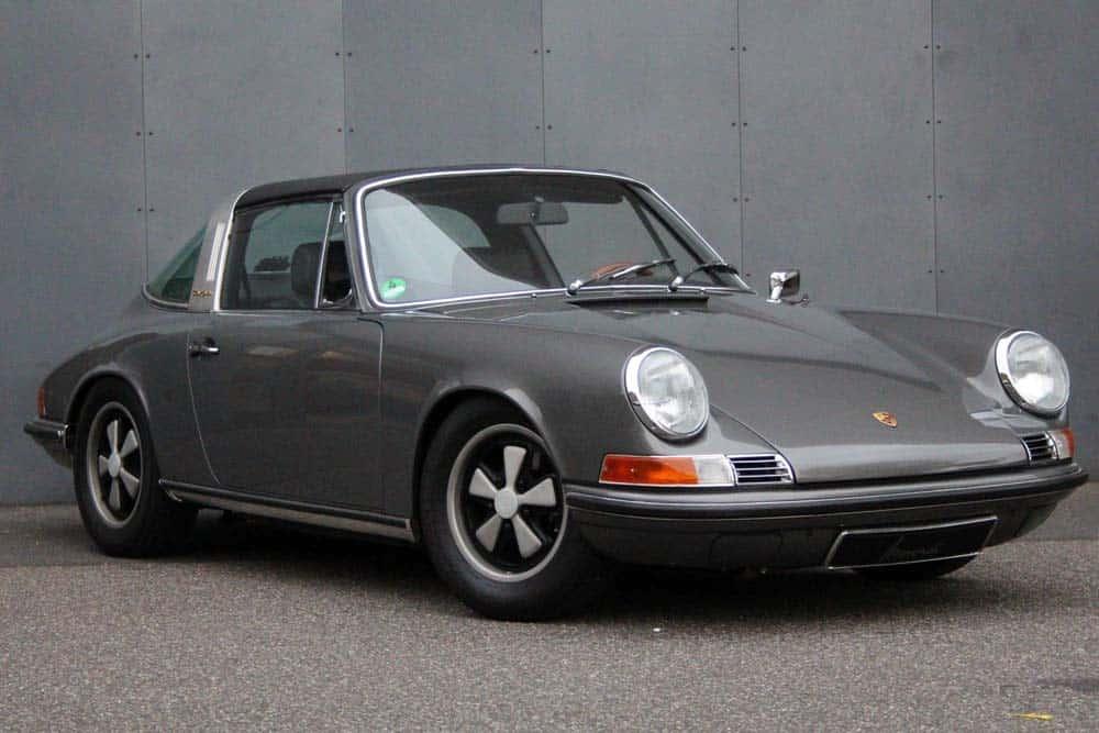 Porsche-911-targa-from-1970-grey