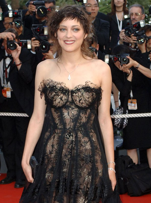 2006-cannes-festival-marion-cotillard-sexy-oops
