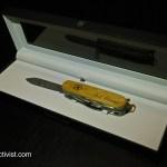 Carl-Elsener-Limited-Edition-Damascus-display