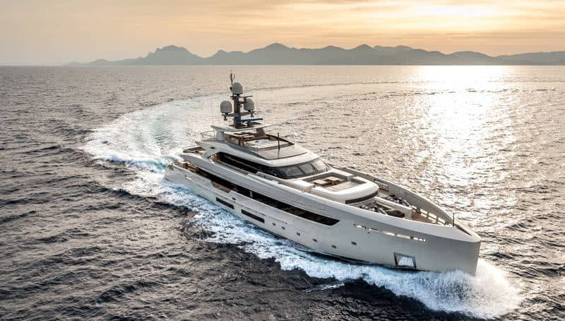 luxury-yacht-sales-and-charter