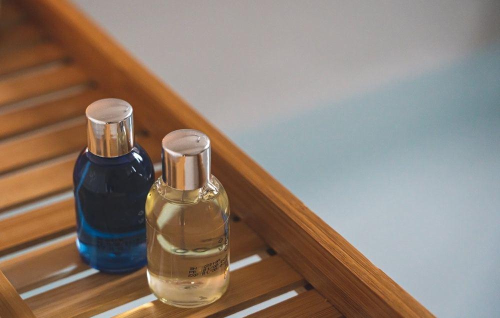 shower-gel-plastic-bottles