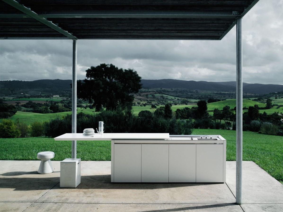 Boffi K2-udendørskøkken, pris på forespørgsel.
