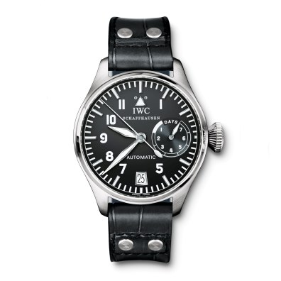 Urets nuværende størrelse og design blev lanceret med stor succes i 2002 og lige siden har Big Pilot's Watch været en af de bedst sælgende modeller i IWC's kollektion.