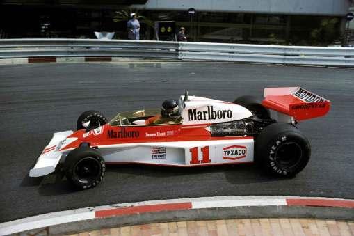 Det var hos topteamet McLaren, at James Hunt opnåede sin største bedrift, verdensmesterskabet i Formel 1 i 1976.