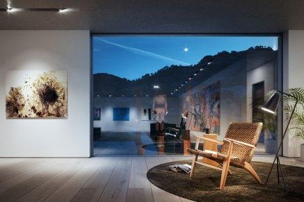 Trods det åbne plan har arkitekten Magnus Ström formået at skabe flere hyggelige kroge i huset, som bryder det minimalistiske udtryk.