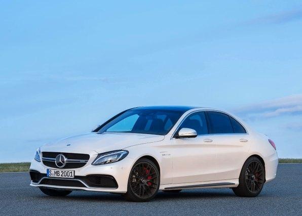 Den nye SUV-coupé lanceres i forbindelse med et navneskift, hvor Mercedes ML-klasse skifter navn til GLE. Både GLE og GLE Coupé fås i AMG-versioner.