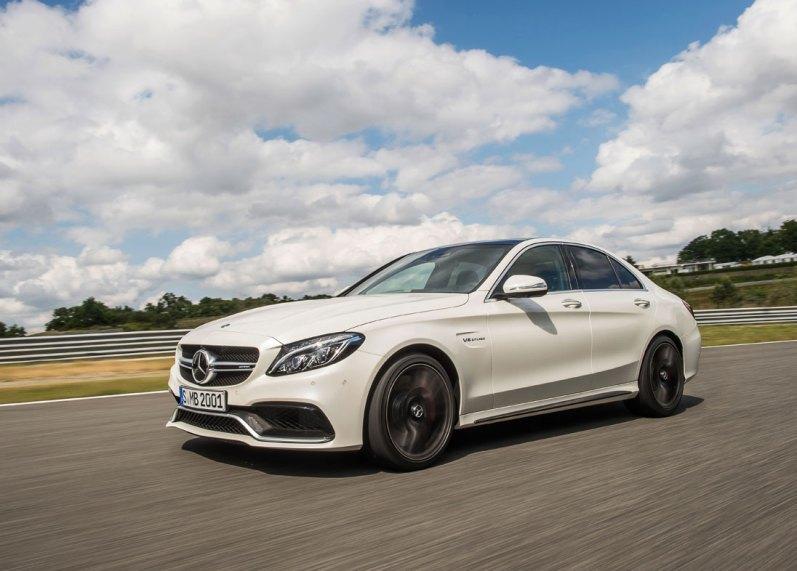 Mercedes-AMG C 63 S er efterfølgeren til den mest solgte AMG-model nogensinde. Motoren er skrumpet fra 6,2 til fire liter. Til gengæld har den nu to turboladere.
