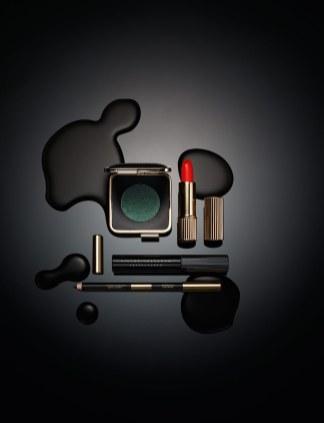 Victoria Beckham har netop lanceret en smuk makeup-kollektion i samarbejde med Estée Lauder.