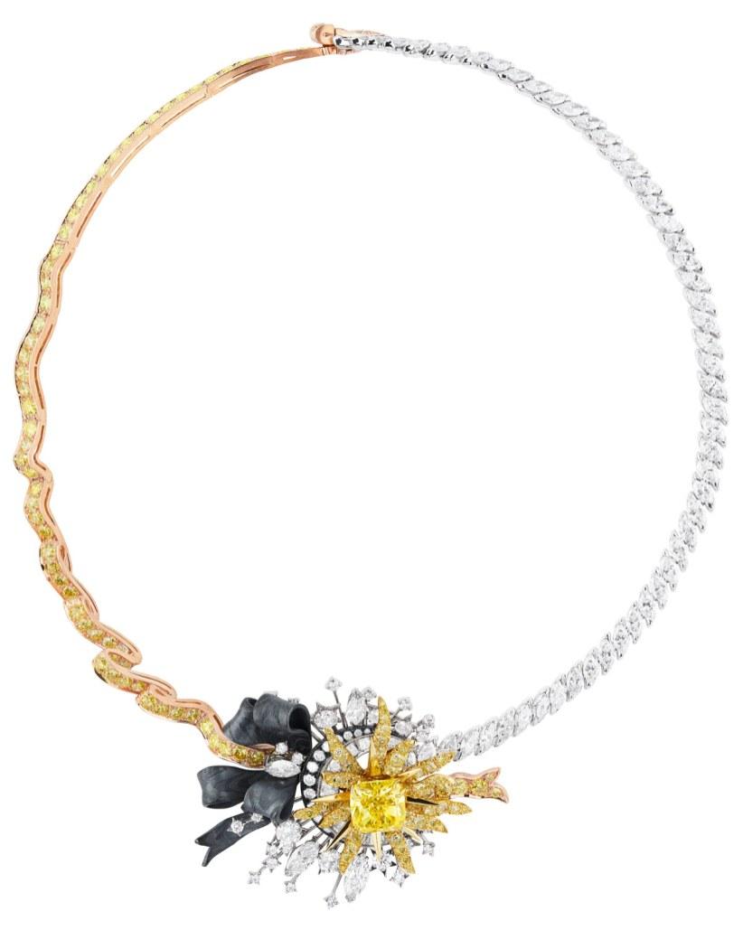 'Salon d'Apollon'- halskæde fra Diors 'Versailles'-kollektion. Af 18 karat hvidguld, pink guld og guld, sort sølv, diamanter og gule diamanter.