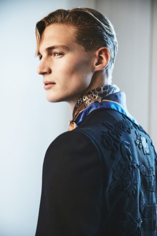 Blazer: Gucci, 21.625 Tørklæde: Etro hos Bindesbøl, 699 kr.