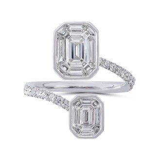 Muse-ring af 18 karat hvidguld med i alt 1.86 carat diamanter. 100.425 kroner