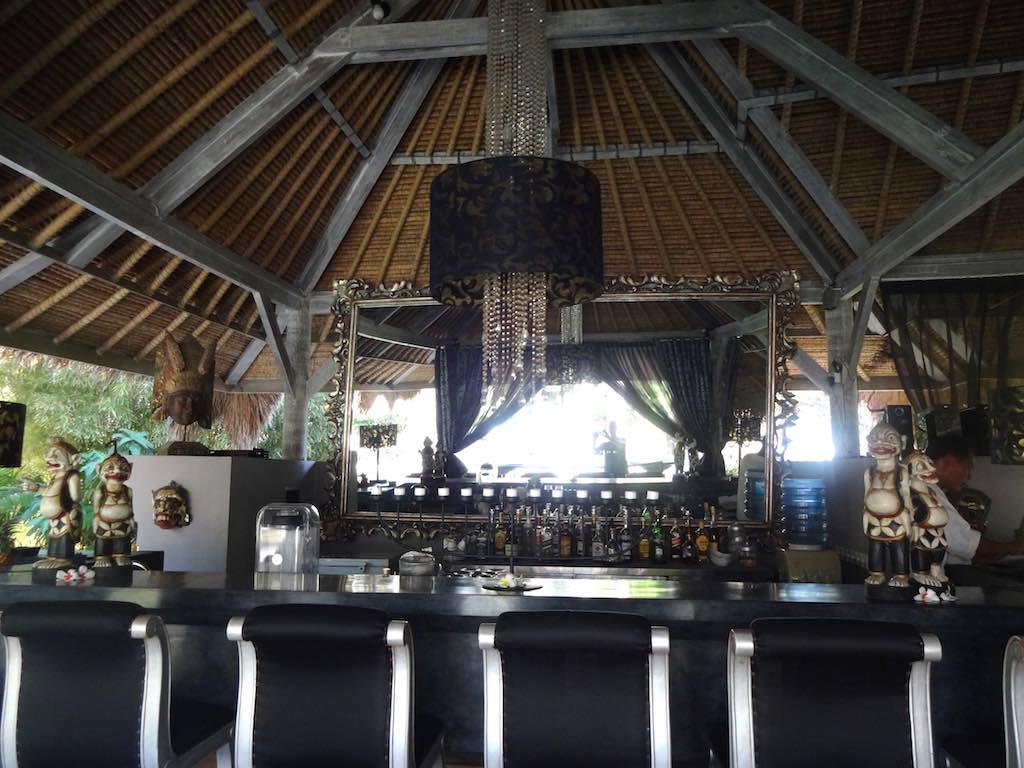 angela-asia-bali-luxury-travel-blog-best-bali-honeymoon-package-villa-mathis-romantic-seminyak-21
