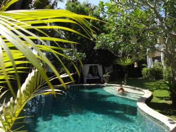 angela-asia-bali-luxury-travel-blog-best-bali-honeymoon-package-villa-mathis-romantic-seminyak-41