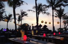 angelas-asia-luxury-travel-blog-best-w-hotel-resort-seminyak-bali-ocean-beach-front-5-star-59