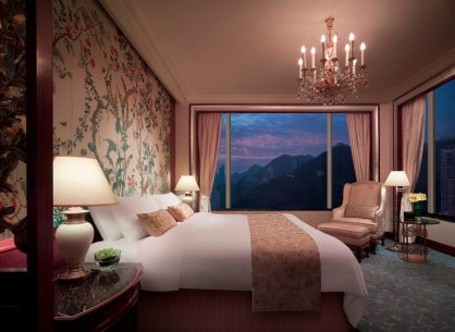 angelas-asia-luxury-travel-blog-island-shangri-la-hong-kong-best-5-star-hotel-14