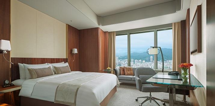 angelas-asia-luxury-travel-blog-shangri-la-taipei-best-5-star-luxury-hotel-2