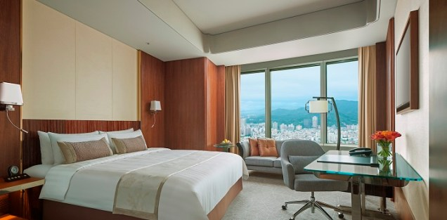 angelas-asia-luxury-travel-blog-shangri-la-taipei-best-5-star-luxury-hotel-2