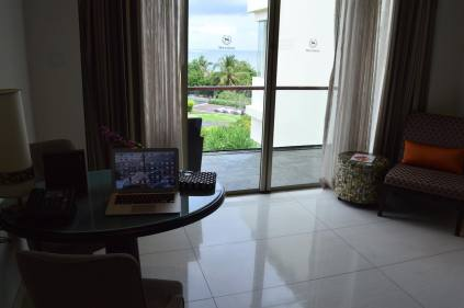 best-5-star-hotel-sheraton-kuta-beach-luxury-oceanfront-suites-video-review-5
