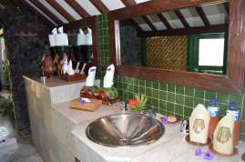 tugu-lombok-best-5-star-villa-beach-service-luxury-travel-blogger-angela-carson-4
