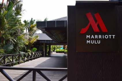 mulu-marriott-best-hotel-sarawak-borneo-near-gunung-mulu-park-unesco-cave-tour-angela-carson-luxury-travel-blogger-19