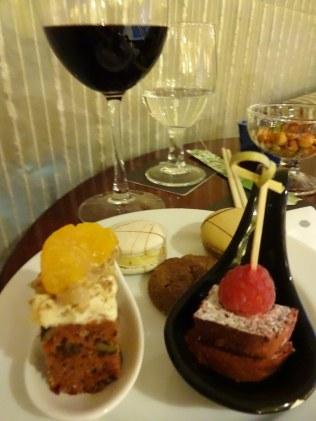 pullman-klcc-best-club-lounge-kuala-lumpur-5-star-hotel-downtown-angela-carson-luxury-bucket-list-18
