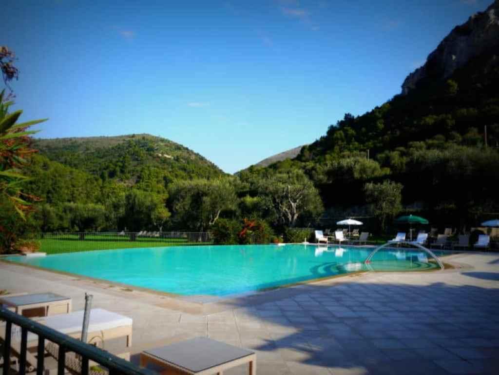 Chateau Saint Martin pool - www.luxurycolumnist.com