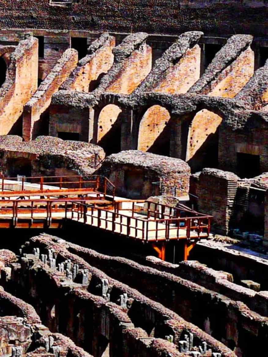 Colosseum lift