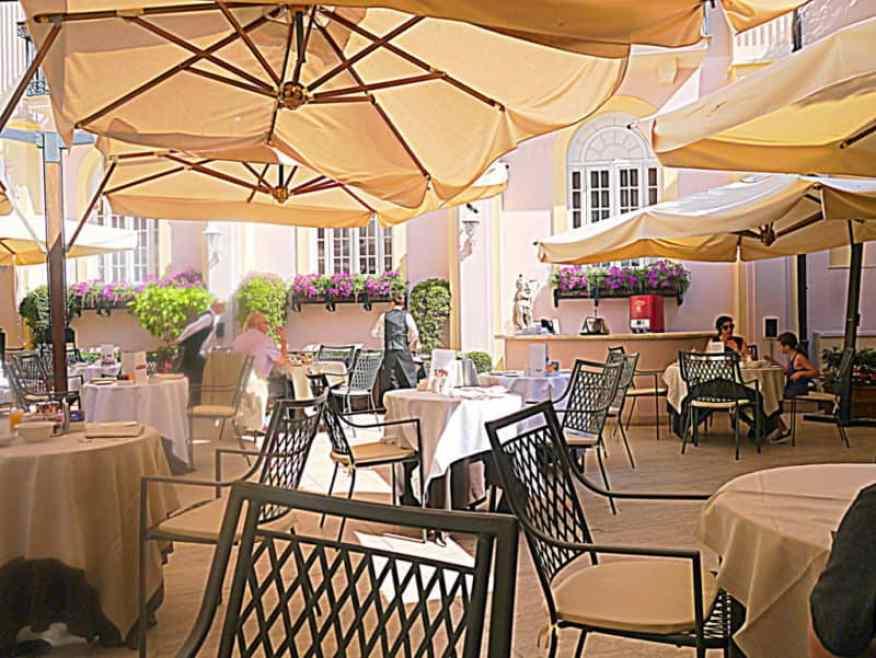 Intercontinental Rome breakfast area