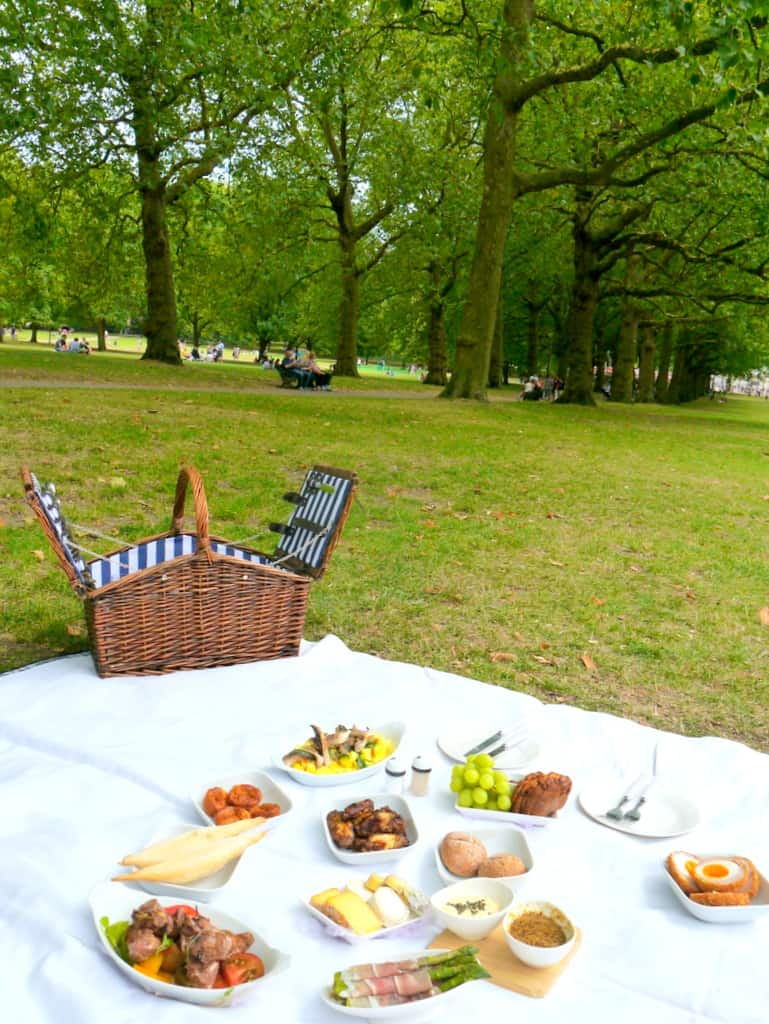 Dukes London Champagne Picnic in the Park
