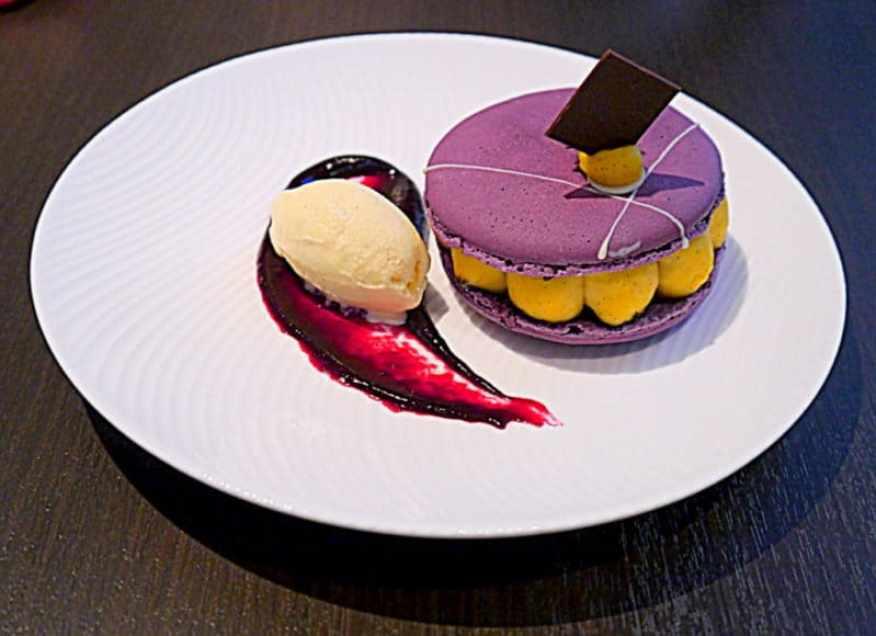 Yauatcha cassis and violet grand macaron