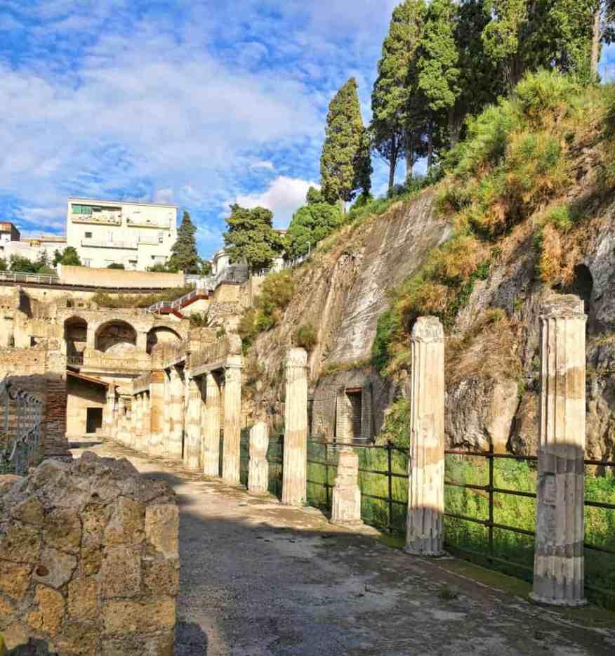 Herculaneum pillars