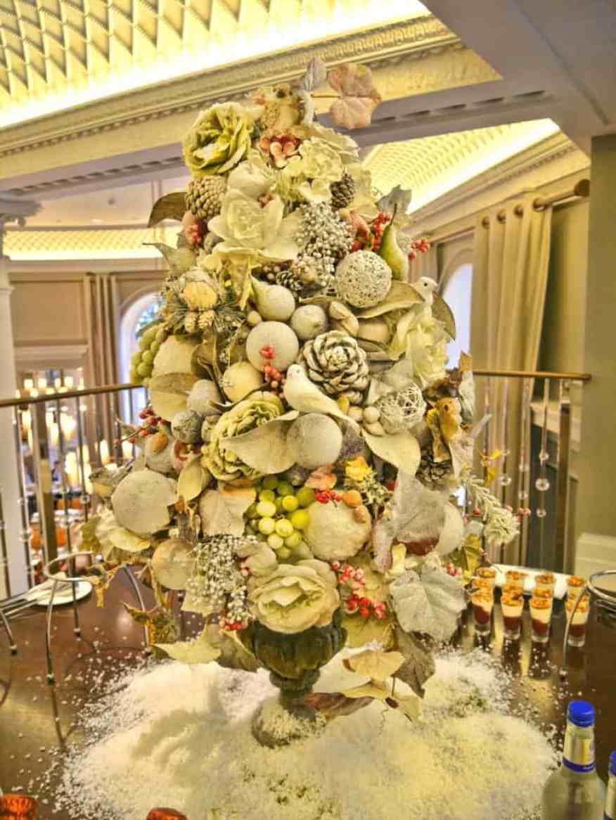 Corinthia Hotel London Christmas tree