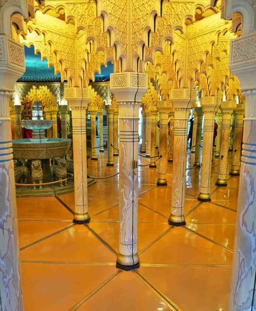 lucerne-alhambra-mirror-maze