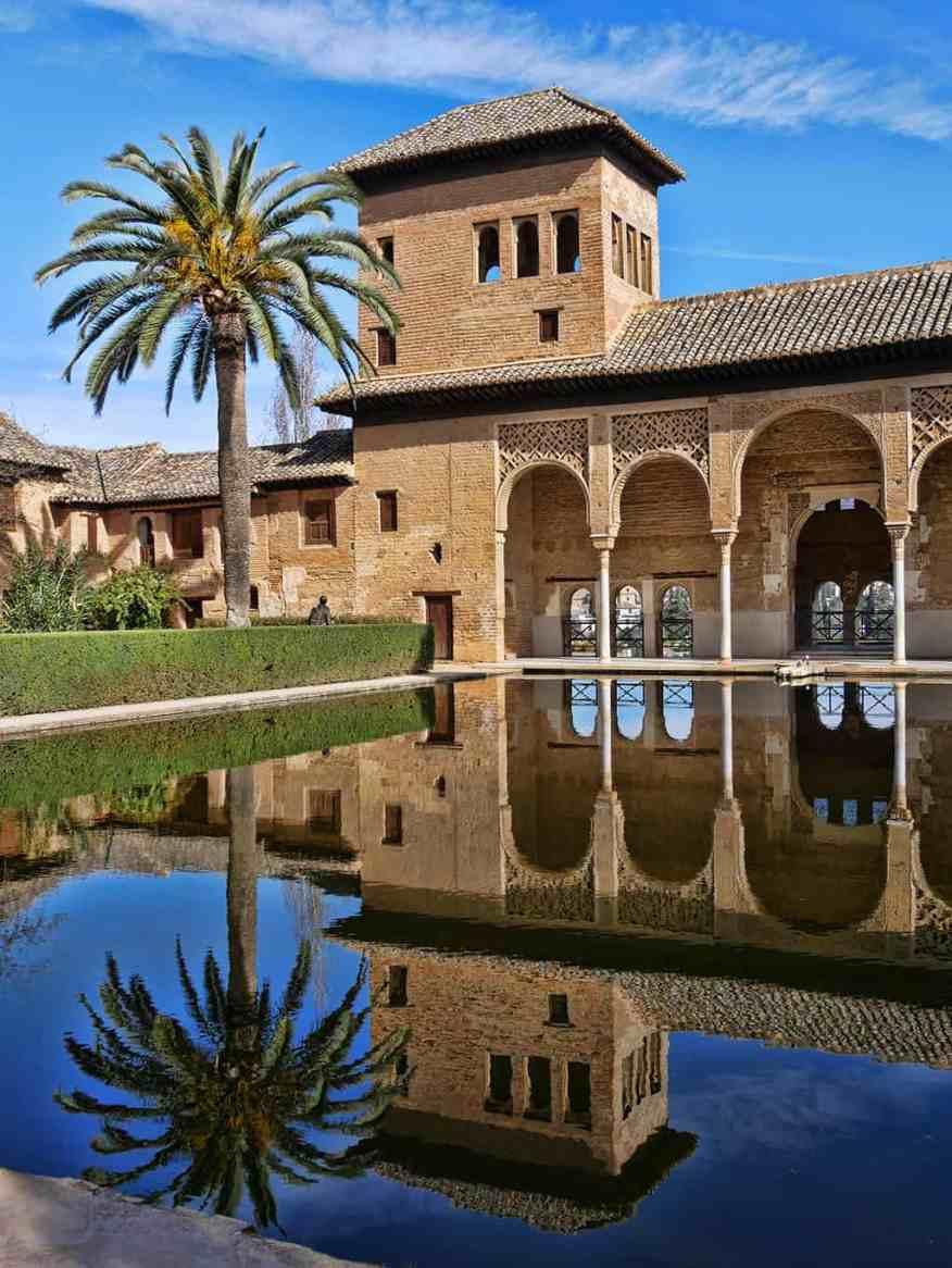 alhambra_granada_daytime