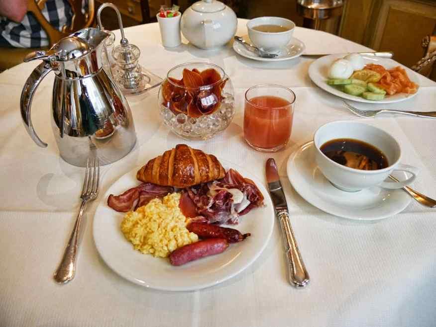 hotel-westminster-breakfast