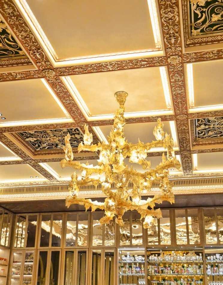 chandelier-dorchester-grill