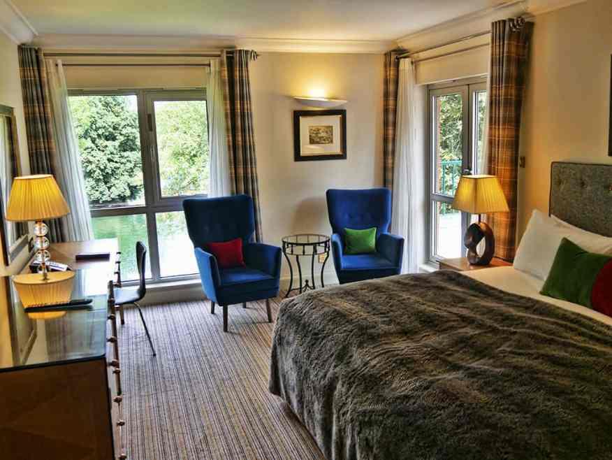 runnymede_hotel_bedroom