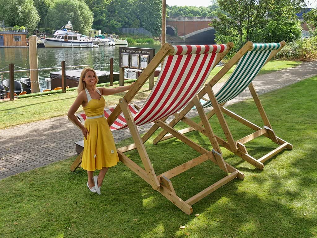 runnymede_hotel_deckchairs