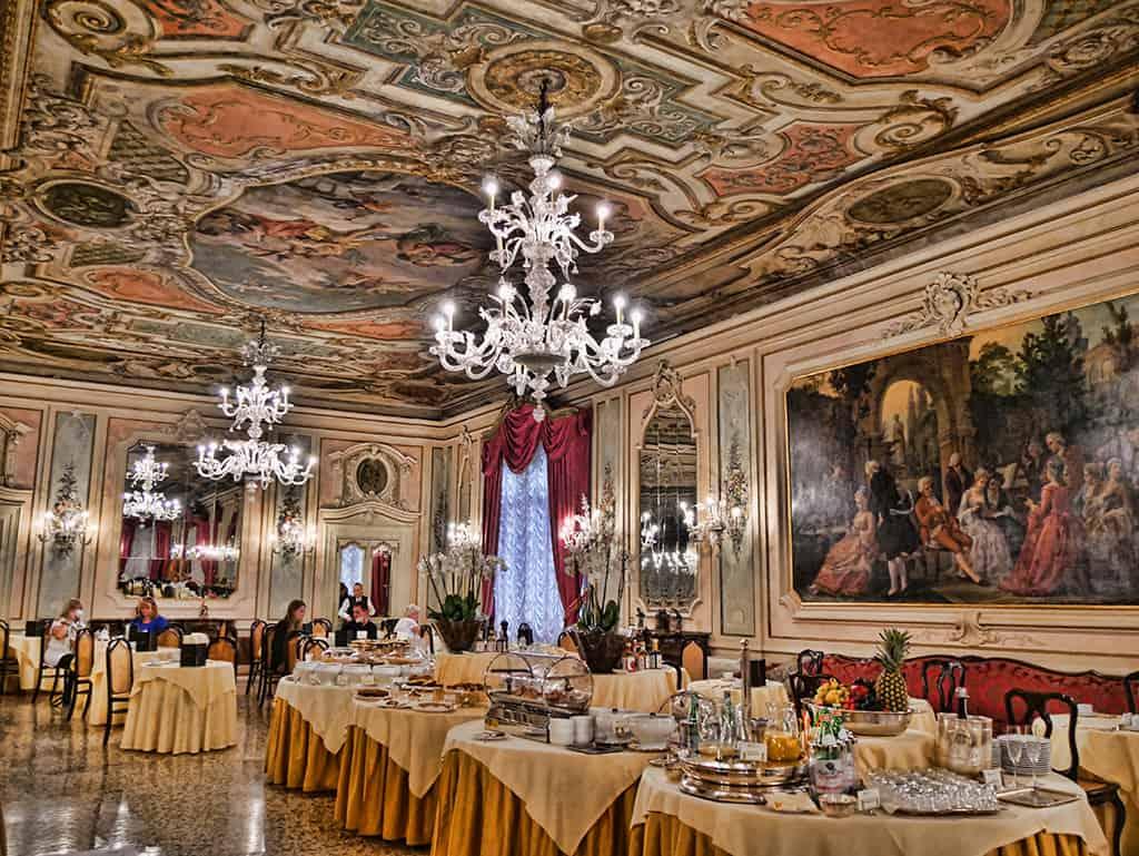 baglioni_venice_ceiling