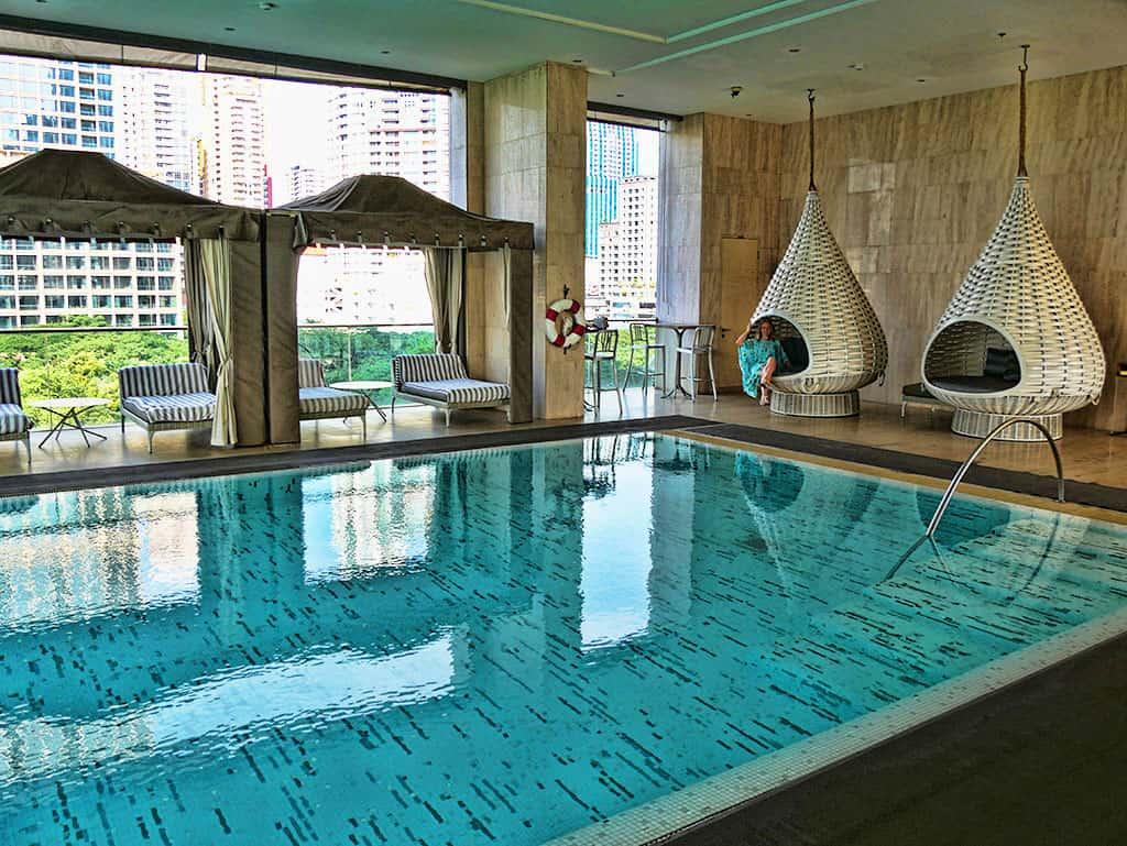oriental_residence_pool