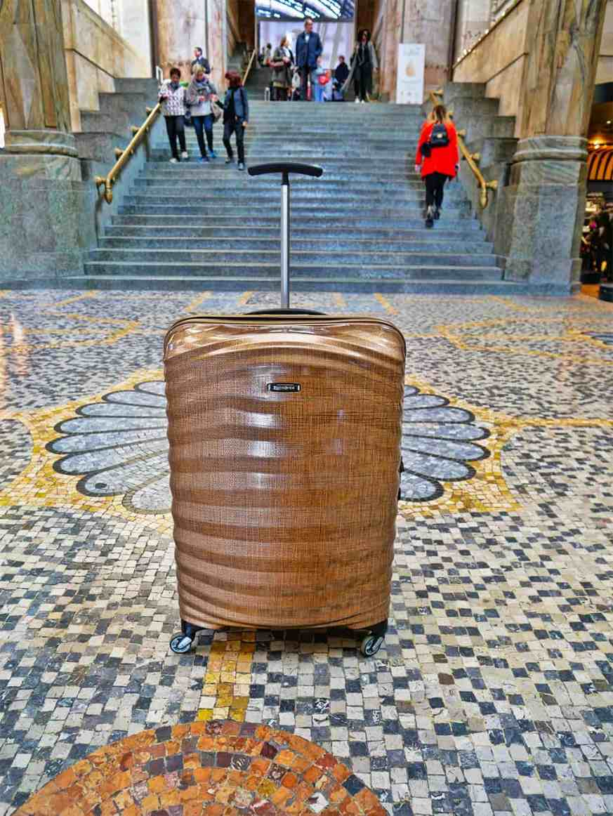 Samsonite Curv luggage - love how light this suitcase is!