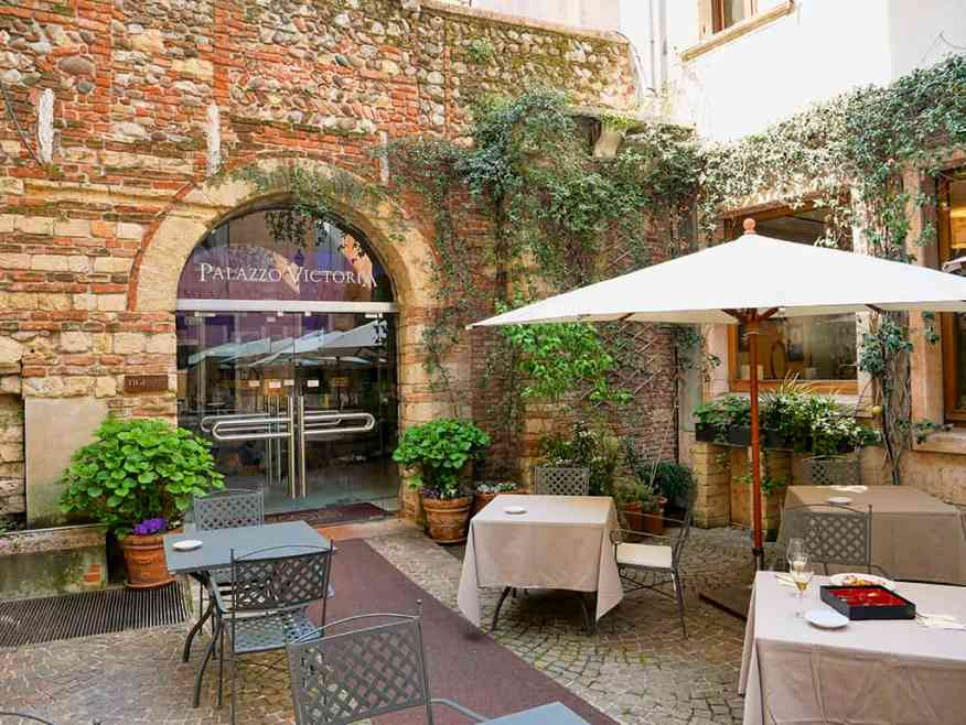 The courtyard at Palazzo Victoria, Verona