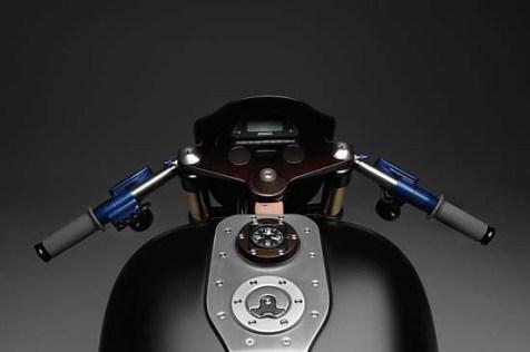 Harley-Davidson-Bell-Ross-Nascafe-Racer-2