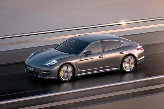 The new Porsche Panamera Turbo S Revealed
