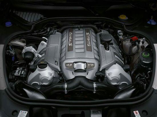 Porsche-Panamera-Turbo-S4